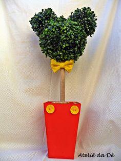 Lindo centro de Mesa de buchinho artificial em formato de Mickey, vasos de todas as cores, fazemos para outros temas.. Altura total do arranjo: 60cm R$ 49,80