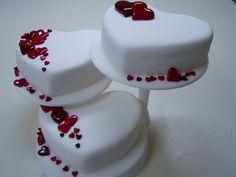 <3 Cake Decorating, Decorating Ideas, Cute Cakes, Panna Cotta, Awesome, Amazing, Entertaining, Ethnic Recipes, Desserts