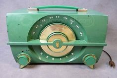 Vintage Zenith AM Tube Radio