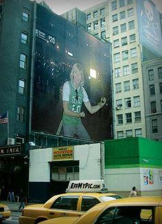 Keith Harkin @keithharkin    NYC @billboard @CelticThunder @vervemusic #nameinlights #keitharkin @derry2013 #cityofculture pic.twitter.com/JFY3TO3d