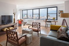 The Lenox is in close proximity to New York City, Hoboken and the Gold Coast. You don't need to go far for the culture and fun nightlife of NYC or the wonderful shopping in Hoboken. You are a stone's throw away from the beautiful parks of the Gold Coast along the Hudson River. The Lenox is ideally situated within reach of all these exciting communities.