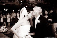 O principal papel do pai no dia do casamento é levar a filha ao altar. Simples? Nem tanto. Emoção. Poucos minutos para a entrada da noiva. São eles, pai e filha que caminharão triunfantes lado a lado, dando início ao  Ler mais