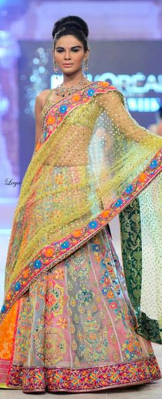 Beautiful and stylish colorful flower designs #designer #lehengacholi comes with net dupatta..