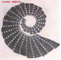 dragon shawl crocheted with pattern ----  Drachenschal mit Anleitung und Grafik -->  gefunden auf ...  https://www.facebook.com/649138198480925/photos/a.657962354265176.1073741828.649138198480925/965075016887240/?type=3&theater