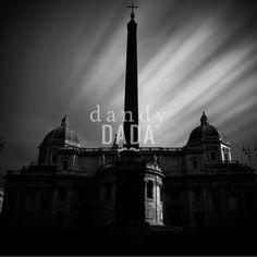 """#Perfezione Simmetrica L'opera """"Perfezione simmetrica"""" di Massimo Margagnoni appartiene alla collezione """"Roma"""". #Roma è sempre #magica sia di giorno che di notte. Nella collezione """"Roma"""" il fotografo Massimo Margagnoni immortala alcuni dei #simboli della #città eterna. Un tour pervaso dalla dimensione del ricordo inteso come grande luogo ricco di contenuti estetici da rivalutare. La #fotografia, come una bussola, spinge il fotografo a solcare la #forma e la #luce.  #photo#light #Rome #art"""