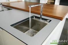 Verborgene Küche - Sichtbarer Wasserhahn