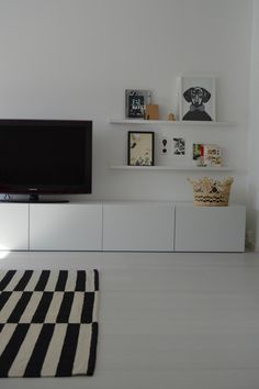 pisaroita: tasokasta Living Room Units, Living Room Decor, Dining Room, Ikea, Black And White Living Room, Sweet Home, Inspiration, Design, Home Decor