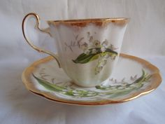The gorgeous Vintage China: Tea wears- Vintage Mambo Team by VintageLinenStore on Etsy