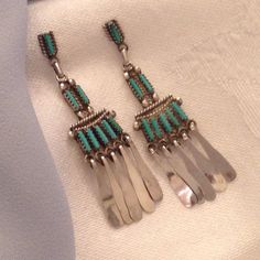 Close look at my latest southwest boho Zuni dangling earring find!