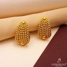 Gold Jhumka Earrings, Indian Jewelry Earrings, Gold Bridal Earrings, Jewelry Design Earrings, Gold Earrings Designs, Gold Jewellery Design, Designer Earrings, Gold Jewelry, Women's Earrings