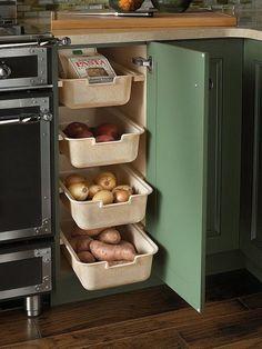 Хранение на кухне: 20 классных идей, которые пригодятся каждому. Систем хранения никогда не бывает много, особенно на кухне. Куда спрятать кастрюли, как хранить овощи, и как добиться визуального поря
