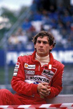 f1pictures:  Ayrton Senna 1992                                                                                                                                                                                 もっと見る