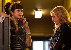 """LOOK! Krysten Ritter in """"Gossip Girl""""!"""