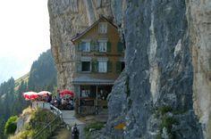 Gasthaus Aescher beim Wildkirchli unterhalb der Ebenalp, Alpsteingebirge, Kanton Appenzell
