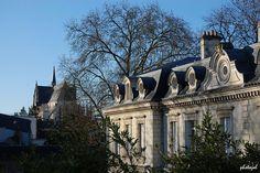 Le château de la Motte & l'église St-Aignan ...