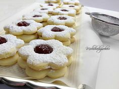 Cookies made from rice flour with jam Jam Cookies, Rice Flour, Ricotta, Gluten Free Recipes, Doughnut, Biscuits, Food And Drink, Breakfast, Desserts