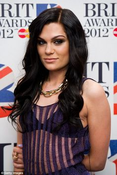 jessie j is so beautiful ugh. love her hair here
