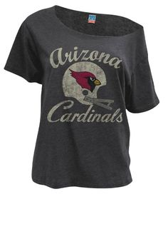 Classic/ vintage NFL Arizona Cardinals shirt off the shoulder Football Fans, Football Season, Football Stuff, Clothing For Tall Women, Clothes For Women, Arizona Cardinals Shirts, Az Cards, Spirit Wear, Mode Style
