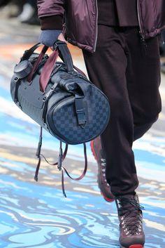 Louis Vuitton Fall 2014 Menswear Fashion Show Details Louis Vuitton Paris, Louis Vuitton Handbags, Lv Handbags, Fashion Bags, Mens Fashion, Fashion Handbags, Runway Fashion, Fashion Trends, Louise Vuitton