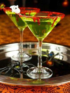 Kunstblut selber machen originelle Dekoration Martini Gläser