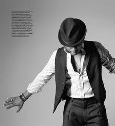 Usher-vegas-mag-cover-2.jpg (JPEG Image, 1000×1097 pixels)