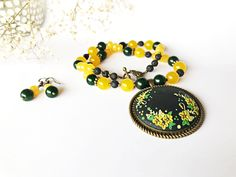 Jade Earrings, Yellow Flowers, Polymer Clay, Beaded Bracelets, Embroidery, Trending Outfits, Unique Jewelry, Handmade Gifts, Etsy