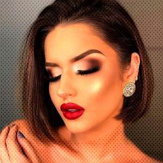 #christmasmakeupinspiration #christmasinspiration #christmasmakeup #beneconnoicom #inspiration #christmas #makeup #season #this #2020 #for #you #20 #... Red Makeup Looks, Christmas Makeup, Hoop Earrings, Make Up, Inspiration, Jewelry, Fashion, Maquillaje, Biblical Inspiration