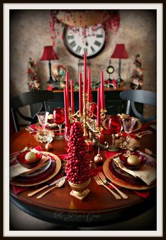 Love red and gold in the dining room - not just for Christmas - although this is beautiful