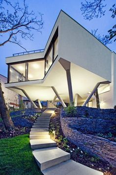 Architecture house design, cantilever architecture, architecture unique, re Cantilever Architecture, Architecture Résidentielle, Beautiful Architecture, Contemporary Architecture, Architecture Sketchbook, Contemporary Building, Contemporary Design, Architecture Portfolio, Architecture Romaine