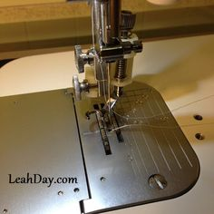 Learn more about the Juki Exceed one of Leah Day's favorite sewing machines that has many awesome features for sewing, patchwork, and machine quilting. Sewing Class, Love Sewing, Sewing Diy, Sewing Machine Reviews, Juki, Darning, Free Motion Quilting, Machine Quilting, Sewing Projects