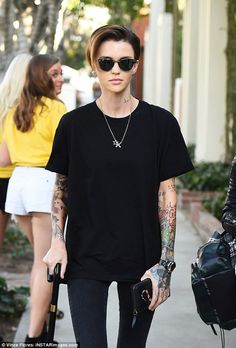 ruby rose outfits best outfits - Page 2 of 100 - Celebrity Style and Fashion Trends Androgynous Women, Androgynous Fashion, Tomboy Fashion, Androgyny, Girl Fashion, Tomboy Outfits, Cool Outfits, Ruby Rose Style, Looks Kylie Jenner