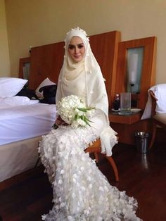 Bridal hijab Muslim Wedding Gown, Malay Wedding Dress, Muslimah Wedding Dress, Muslim Dress, Modest Wedding Dresses, Bridal Dresses, Wedding Gowns, Bridal Hijab, Hijab Bride