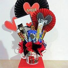 Regalos con Amor ♥ (@tuenvoltorioideal) • Fotos y videos de Instagram 4th Of July Wreath, Wreaths, Instagram, Videos, Gifts For My Boyfriend, Boyfriends, Decorated Boxes, Door Wreaths, Deco Mesh Wreaths