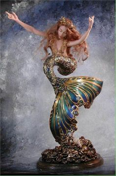mermaid sculpture Who is the artist? Magical Creatures, Fantasy Creatures, Sea Creatures, Fantasy Mermaids, Mermaids And Mermen, Mermaid Dolls, Mermaid Art, Mermaid Statue, Mermaid Sculpture
