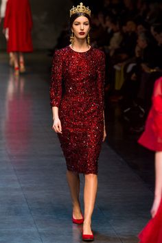 http://www.style.com/slideshows/fashion-shows/fall-2013-ready-to-wear/dolce-gabbana/collection/58