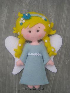 Een engel met de hand gemaakt van wolvilt. A handmade Angel made of felt  Superskattig.nl