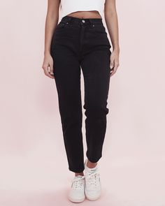 Look with mom jeans - Cute Outfits Ripped Jeggings, Ripped Knee Jeans, High Waisted Black Jeans, All Jeans, Ripped Skinny Jeans, High Waist Jeans, Outfit Jeans, Black Mom Jeans Outfit, Black Jeans Women