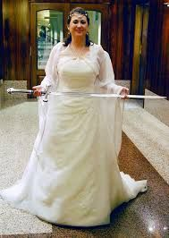 Resultado de imagen para trajes de novia estilo medieval