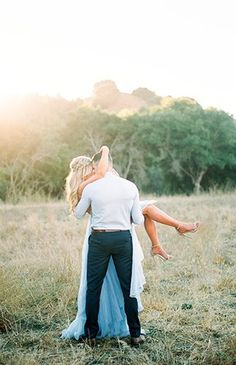 Get ready to swoon! Today's romantic hillside anniversary photos send chills all over every time we look at them! Photographer, Katlyn Marie captured this pair in the perfect light of sunset outside San Francisco. Engagement Photo Poses, Engagement Photo Inspiration, Engagement Couple, Engagement Pictures, Engagement Photography, Wedding Photography, Country Engagement, Elegant Engagement Photos, Anniversary Photography