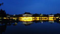 NIGHT VIEW OF THE BANWOLSEONG PALACE SITE // Anapji lake, Gyeongju, South Korea // © Kim Henri Vandenhoute