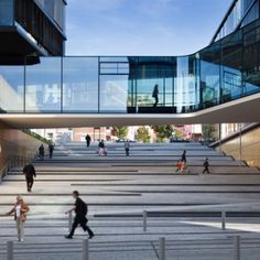 Company headquarters in the inner city usually form blind spots, unattractive to the public and desolate after office hours. Therefore, the design is not understood as an architectural but as an ur…