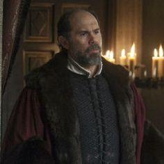 NUEVO PERSONAJE: DUQUE DE BRAGANZA  Fernando de Braganza y Castro fue un poderoso nobel de Portugal, hijo del Duque Fernando I de Braganza y de Juana de Castro.