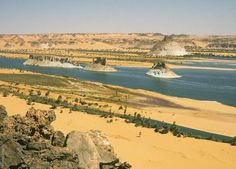 Die Seen von Ounianga, Lac Teli, Felsen im Wasser, Explore Chad Nature Research, Life Map, Lake Water, Seen, Zoology, North Africa, World Heritage Sites, Natural World, Life Is Beautiful