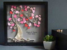 Original Papier Quilling Wandkunst - Liebe-Baum. Dies ist ein von einer Art Kunstwerk. Diese Wandkunst ist meine eigene Schöpfung, ich habe es in einem grafischen quilling Technik, aus Pappe und Pastellpapier Streifen 10 mm breit. Es ist reine Handarbeit, mit nur Papier. Von hand