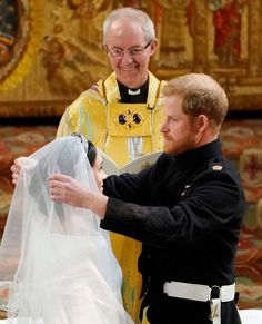 We could all relate to the Archbishop of Canterbury Justin Welby in this #royalwedding moment. Nothing but smiles over true love. (:…