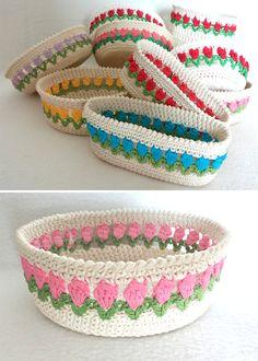 Spring Baskets – Free Pattern – My Unique Wardrobe Bunny Crochet, Crochet Bowl, Crochet Basket Pattern, Cute Crochet, Crochet Baskets, Beautiful Crochet, Crochet Jar Covers, Knitting Patterns, Crochet Patterns