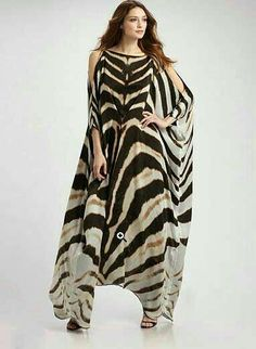 zebra print kaftan - maybe too much zebra but pretty cut. Hijab Fashion, Fashion Dresses, Estilo Hippy, Kaftan Style, Modelos Plus Size, Animal Print Fashion, Maxi Robes, Silk Gown, African Dress