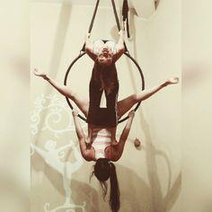 """Nicole Floridia on Instagram: """"Mis niñas hermosas @sindyrosgomes y @andreaaraujo8 en su clase de ayer su progreso me hace demasiado feliz  Reserva tu cupo para el plan vacacional de la semana que viene de acroyoga y aéreos en @yogacenterplus 04269049714 #proud#aerialhoop#class"""""""