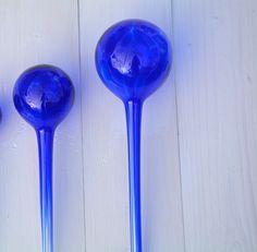 Bevattningskula blå M www.blomsterdesign.net bevattningskulor