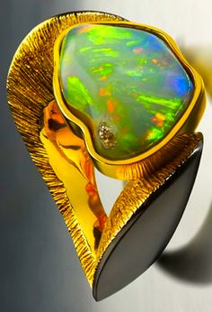 Fire opal, onyx, and 18K yellow gold finished ring | d'Ornella Iannuzzi